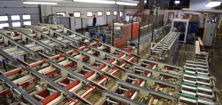 Vaikka Arolan Höyläämöllä on tehokkaat linjastot ja automatisointia on viety pitkälle, on suunnitelmissa monenlaista investointia nousukauden vauhdittaessa rakentamista.