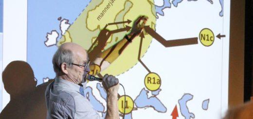 Sukututkimuspiirin vetäjä Ahti Kurri esittelee asutuksen tulosuuntia jääkauden jälkeen.