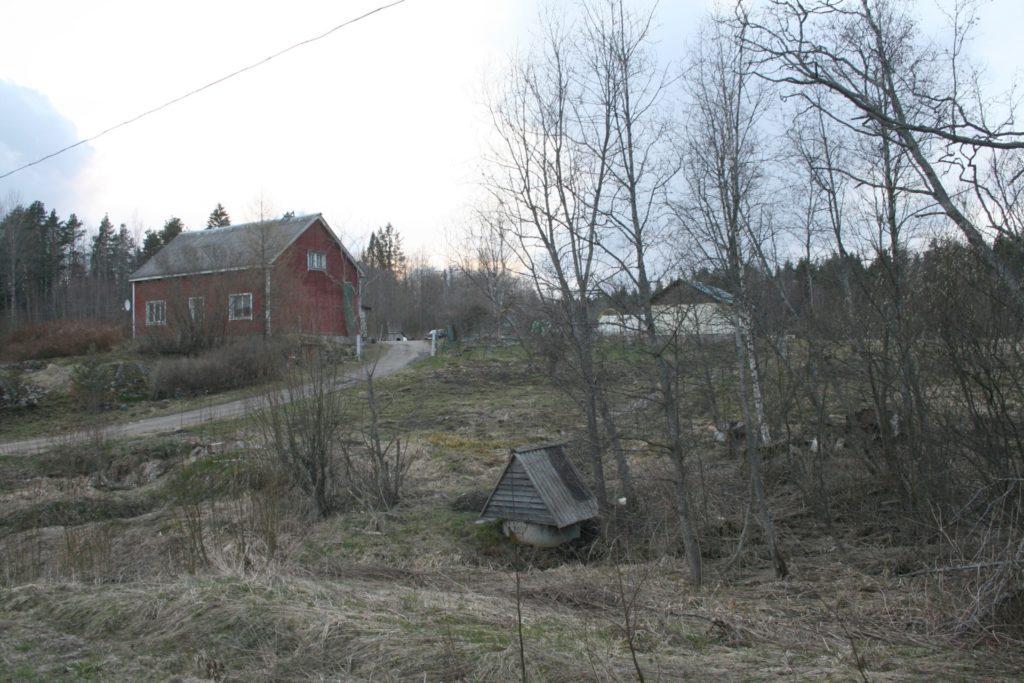 Pekka Hämäläisen entinen kotitalo Haukkavaarassa toukokuussa 2017.