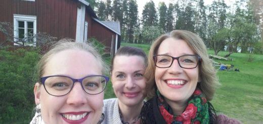 Ämmät vas. Laura Kilpiö, Elsa Hietala ja Iina Wahlström.