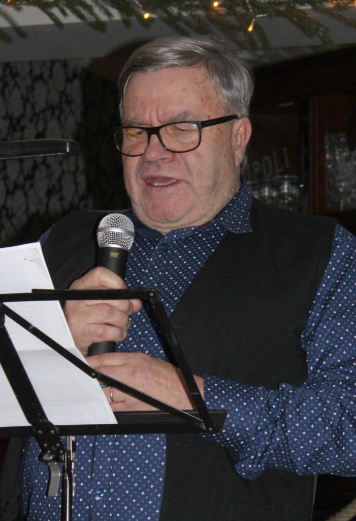 Markku Sihvonen  Loimaan Seudun Karjalaseurasta piti Karjalaisten Pikkujoulujuhlassa puheen, jonka ensimmäisessä osassa käsitteli perheensä talvisodan evakkomatkaa ja toisessa osassa tuntemuksiaan kotiseutumatkalta viime kesänä.