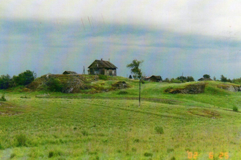 Mustolan maiseman maamerkkinä on Miikkulaisen talo, kuva vuodelta 2017.