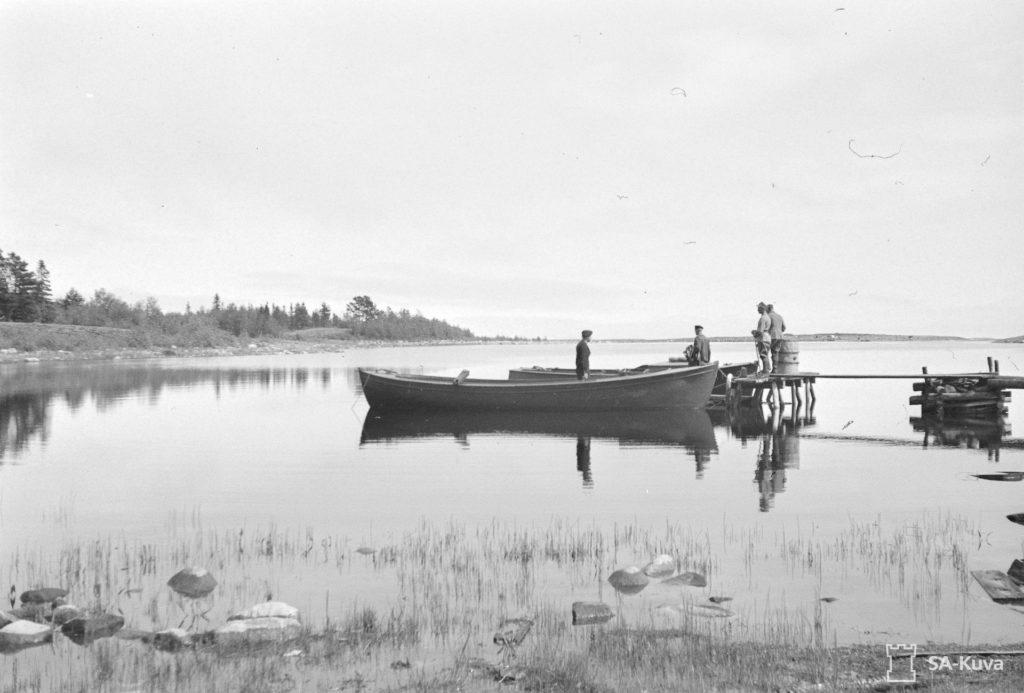 Heinäsenmaan Kukonlahden satama sodan aikana. SA-kuva/T. Räisänen